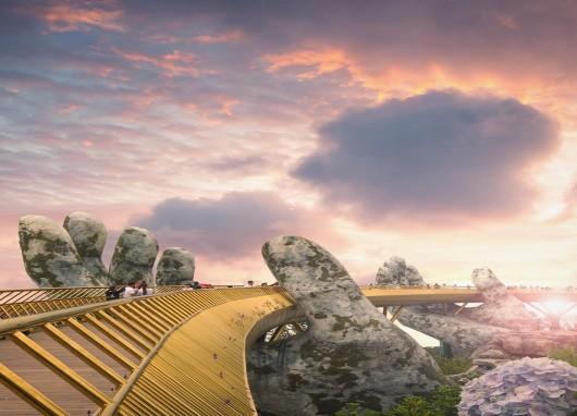 Da Nang city's Golden Bridge goes viral